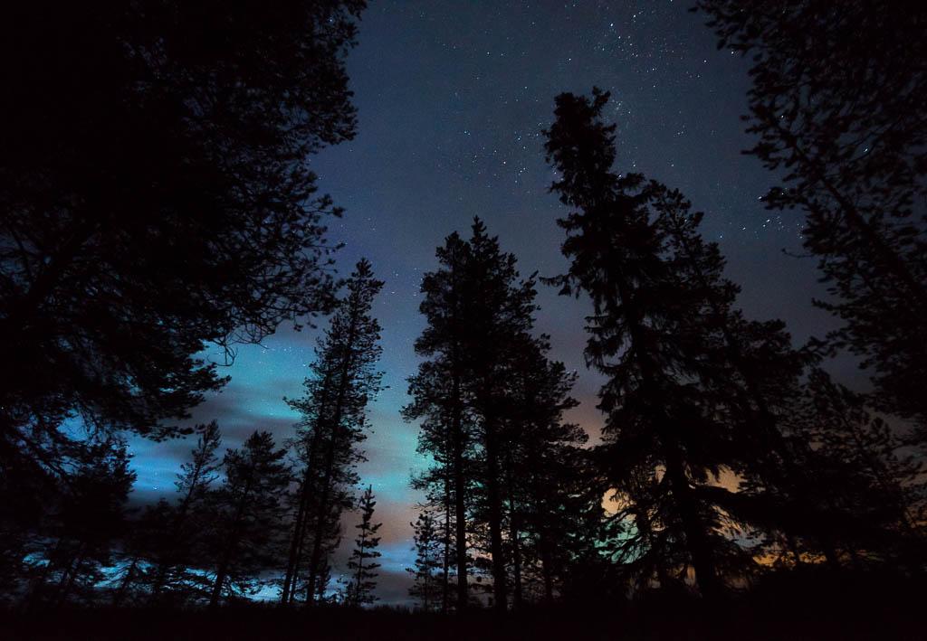 Lappland bei Einbruch der Nacht